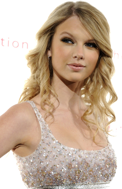 To get Taylor's look try the products below! Makeup Products: