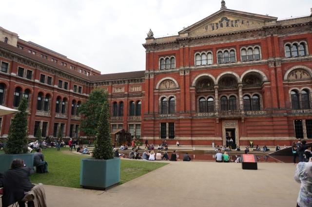 V&A courtyard