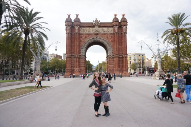 Vanessa and I in front of the Arc de Triomf.