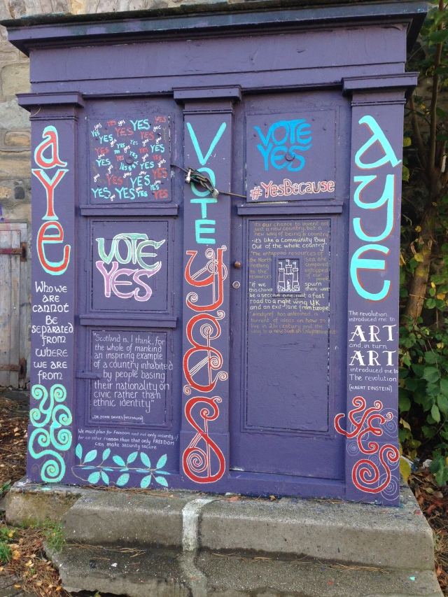 """Yes"" Graffiti for Scotland to break its ties with England."